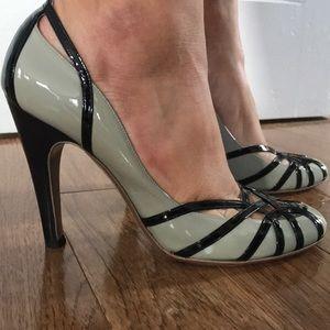 593316ab00f7 ... Ferragamo grey and black patent leather heels 9 ...